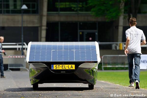 Семейный автомобиль на солнечных батареях, Stella.