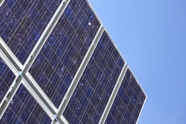 трекеры вращающие солнечные фермы