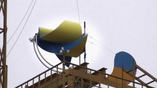 ветрогенератор на крыше нашего дома